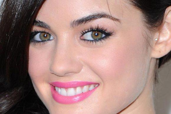 Lucy-Hale-maquiagem-makeup-01